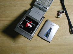611SにPCカードを装着した状態の写真